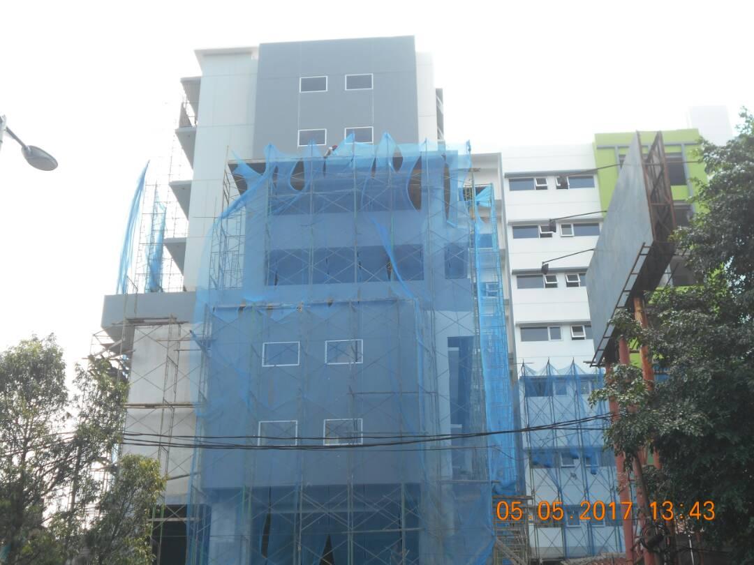 Hotel Whizz Malang Buka Slide 1-3
