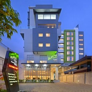 hotel-whizz-malang-1.jpg